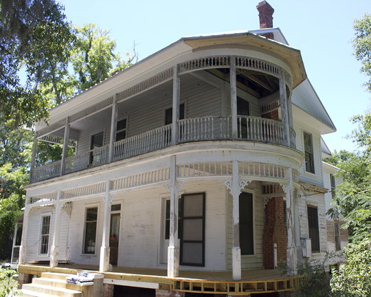 The old McCaskill/Brown home in Freeport about to get some TLC. Lori Ceier/Walton Outdoors