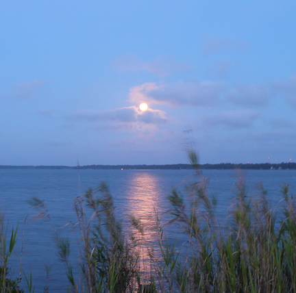 The 2012 Perigee moon over the Choctawhatchee Bay. Lori Ceier/Walton Outdoors